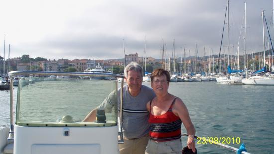 Avec Mona par Jean Michel sur le bateau  le 23 Aout 2010